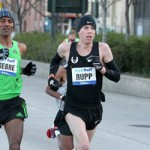 Farah wins NYC Half on Debut