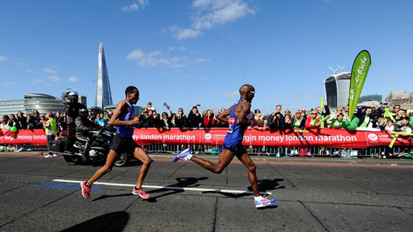 Farah finishes eighth on marathon debut