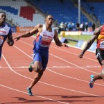 Dwain Chambers wins 100m title